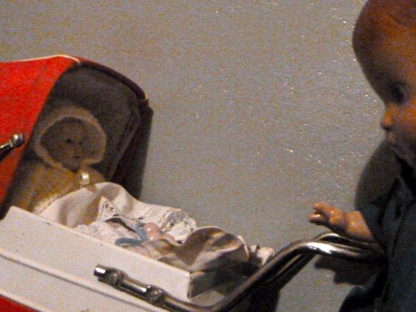 Patsy fait du baby-sitting.