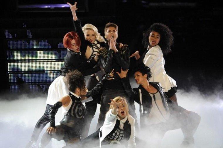 """Justin dans l'émission """" The Voice """"( USA )"""