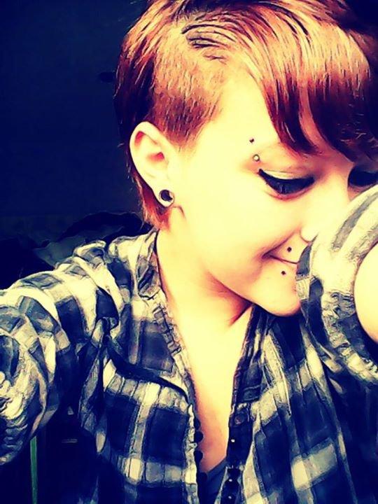 Le sourire n'est jamais réel .