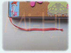 Fabriquer un marque-page avec un ruban