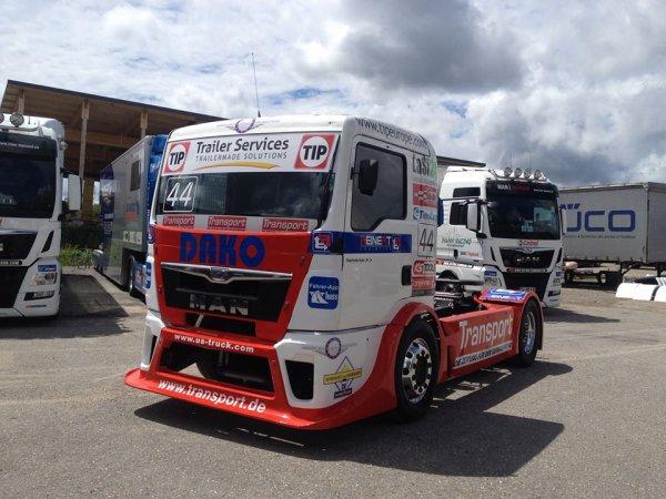 Steffi Halm de retour en courses pour Nogaro ... au volant d'un MAN du team Reinert !