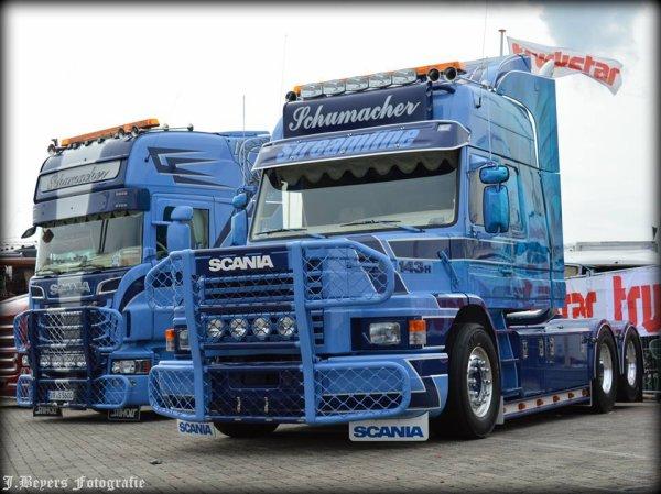 Une TUERIE ce Scania popopo MAGNIFIQUE TERRIBLE !! ( photo du net )