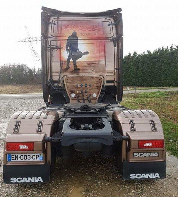Camion décoré : la 1ère grosse nouveauté de l'année ...