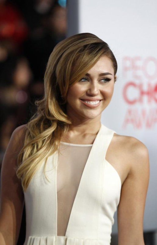 Miley Cyrus : Quelle coupe de cheveux préférez vous ?