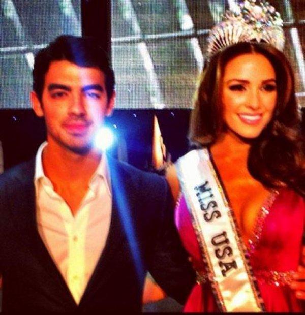 Joe Jonas : Juge pour l'élection de Miss USA 2012