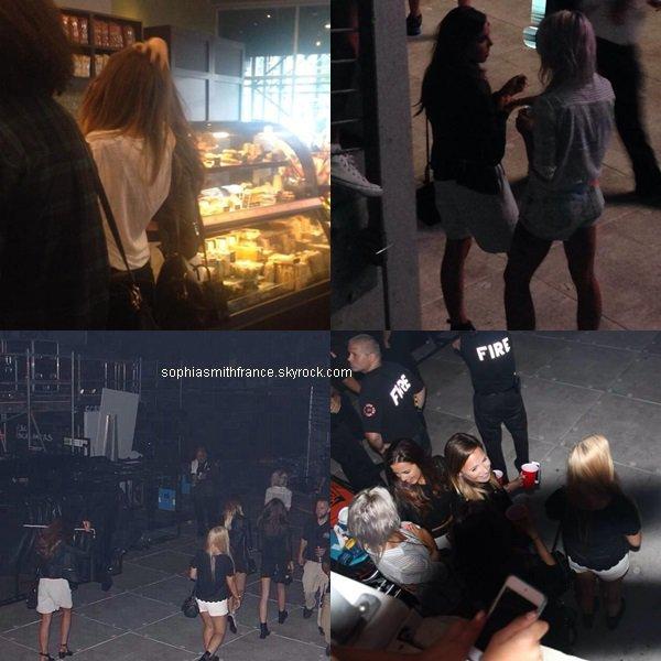 4/08/14: Sophia était à New-York avec Eleanor, Lottie et Danielle Bernstein