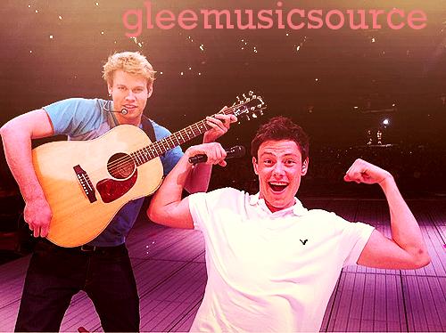 06.06.11 Photos: Le Glee Cast poste des photos pendant le GleeLive!