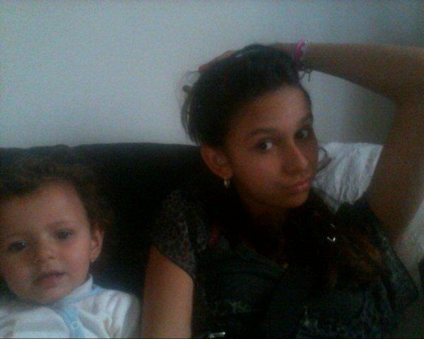 la tite et la grande soeur :D