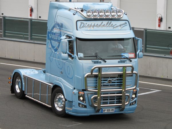 magny cours 2010 volvo dieppedalle transport swedish house mafia. Black Bedroom Furniture Sets. Home Design Ideas