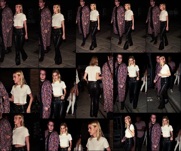 . ● Nicola Peltz a été vue arrivant à la boite de nuit Poppy dans West Hollywood, le 31/08.  .