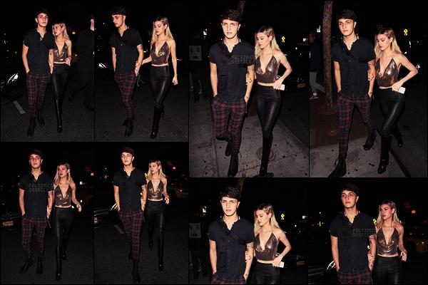 . ● Le 31/10, Nicola Peltz a été à une soirée d'Halloween au Delilah à West Hollywood.  .