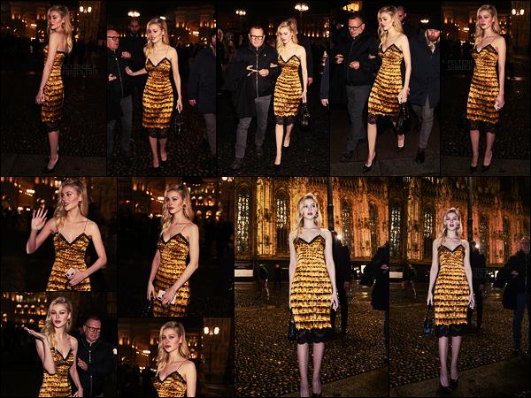 . ● Nicola Peltz s'est rendue au défilé Versace, le 23/02, pendant la Fashion Week de Milan  .