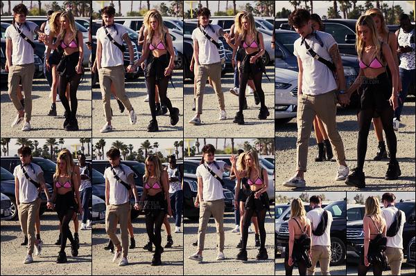 . ● Nicola Peltz a été vue lors du festival  Coachella, le 14/04, avec son boyfriend et des amis  .