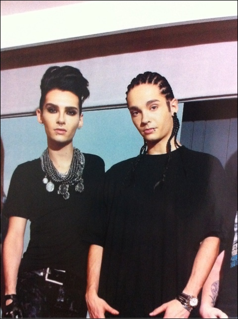 5728 ➜ Magazine INROCK Vol.327 (Japon).