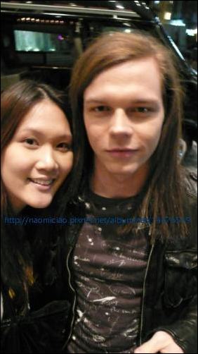 5824 ➜ Georg avec une fan à Tokyo.