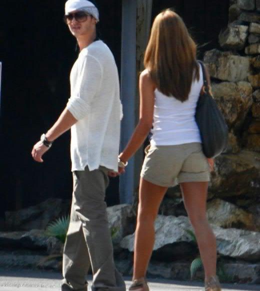 - 6604 - Tom et sa copine à LA