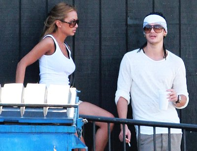 - 6606 - Tom et sa copine à LA