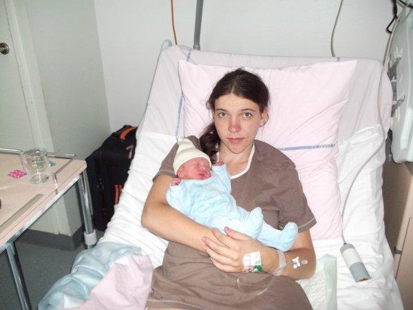 mon neuve et sa mère a la maternité