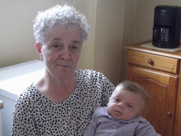 Ma mamie et son arrière petit fils Mathéo
