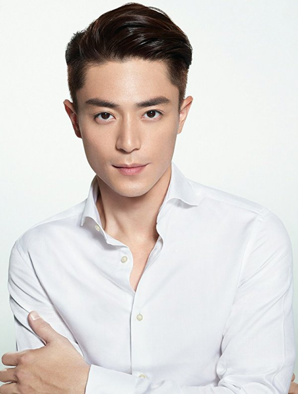 Acteur - Wallace Huo