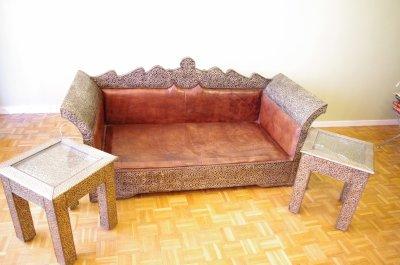 salon marocain bois recouvert de metal banquette cuir prix d part 200 blog de chezmarion. Black Bedroom Furniture Sets. Home Design Ideas