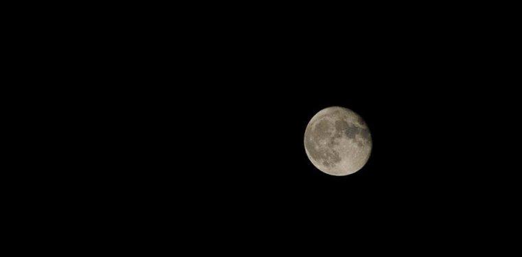 Me promets pas la lune si t'as pas la fusée !