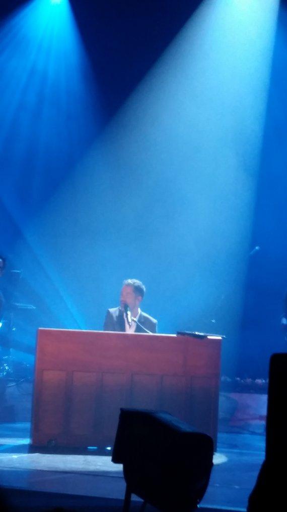 voici qq photos du concert de MANU du 19 avril à LILLE