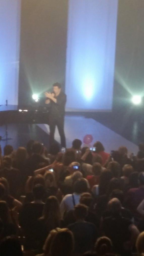 mon merveilleux concert le  14 mai à lille merci patrick c'était juste génial