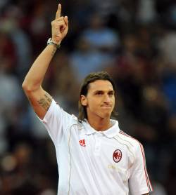 Officiel : Ibrahimovic prêté au Milan AC