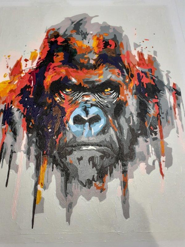 Kong à la peinture acrylique