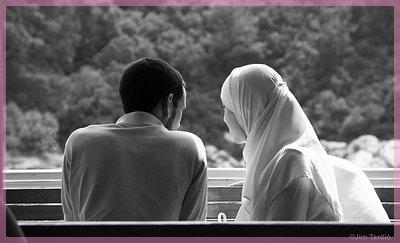 C'est toujours qu'il l'aime, sa Belle Muslima . . . .