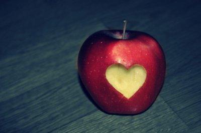 « L'amour est un bonheur qui peut facilement,se transformer en malheur.. »