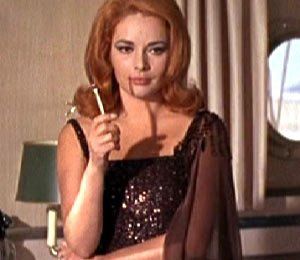 James Bond Girl 4/
