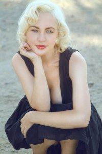 Jolee Blon