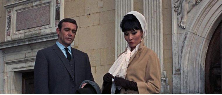James Bond Girl 9/