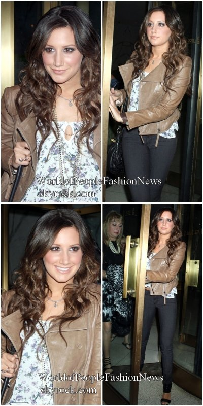 Coup de ♥ Musical. ................................................................................................................................................. 08/09 : Ashley Tisdale  est allée au  PIX11 Morning News a New York  pour faire la promotion de son film..................................................................................................................................................  Coup de ♥ Musical.