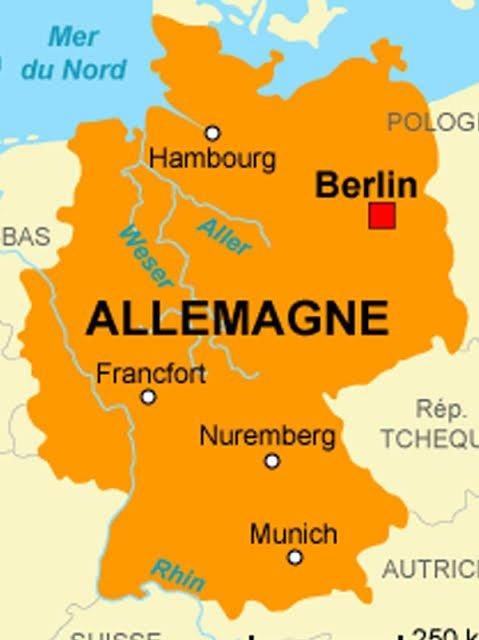 Longtemps dominés par l'Autriche dans le cadre du Saint-Empire romain germanique (de 962 à 1806) puis de la Confédération germanique (de 1815 à 1866), en 1871, à la fin de la guerre franco-prussienne, les divers États allemands furent réunis dans un État dominé par la Prusse, donnant ainsi naissance à l'Allemagne unifiée moderne, dite également Deuxième Reich ou Reich Wilhelminien. La défaite allemande qui suivit la Première Guerre mondiale provoqua en 1918 l'avènement de la République, puis en 1933 celui du Troisième Reich, lequel s'effondra en 1945 dans la défaite qu'entraîna la Seconde Guerre mondiale. D'abord occupée par les forces armées de ses vainqueurs, l'Allemagne fut séparée en deux parties en 1949, qui formèrent la République fédérale d'Allemagne (dite « Allemagne de l'Ouest ») et la République démocratique allemande (dite « Allemagne de l'Est »). La réunification a eu lieu le 3 octobre 1990, onze mois après la chute du Mur de Berlin, qui marqua la réunification populaire. En 1990, sa capitale redevient Berlin.