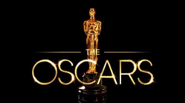 Les Oscars du cinéma (Academy Awards) sont des récompenses cinématographiques américaines décernées chaque année depuis 1929 à Los Angeles et destinées à saluer l'excellence des productions américaines et internationales du cinéma. L'attribution de ces distinctions dans les domaines choisis pour représenter les métiers de la création cinématographique (réalisation, interprétation, scénario, technique) est organisée, gérée et dirigée par l'association professionnelle Academy of Motion Picture Arts and Sciences.