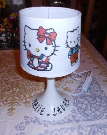 LAMPE HELLO KITTY    10 E