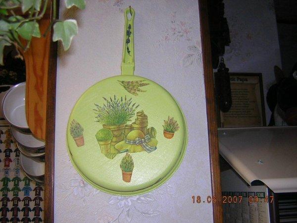 Poêle garnie au décor de son choix   15 euros