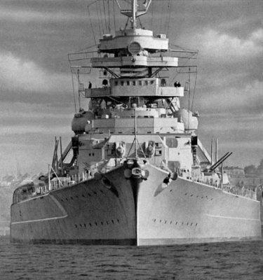 BISMARK und TIRPIZ deux croiseurs lourds !
