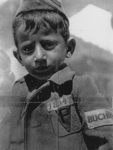 On paye toujours les conséquences d'une guerre et de ces actes  cette affiche montre bien le désespoir et les conséquences du régime NAZI