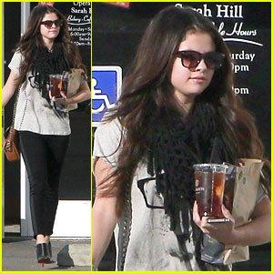 Selena gomez le Samedi 15 Decembre