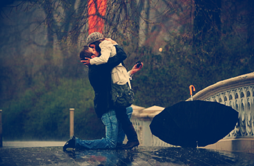 - Tu trouveras, dans la joie ou dans la peine, Ma triste main pour soutenir la tienne, Mon triste coeur pour écouter le tien.♥
