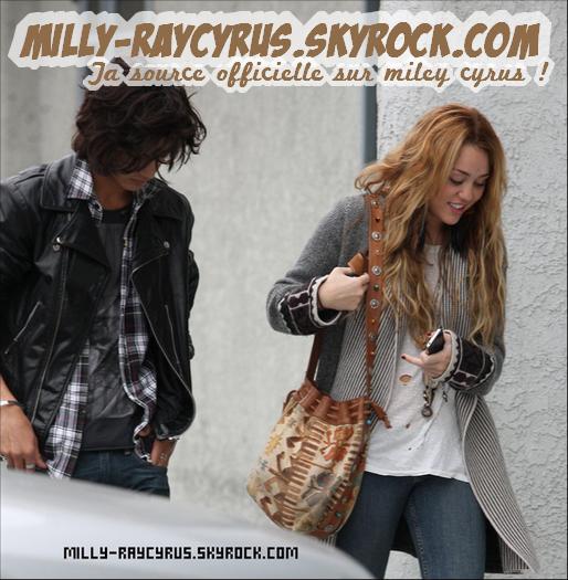 16/10/10 : Miley était de sortie avec Avan Jogia, dans les rues de Beverly Hills. Vos avis ?