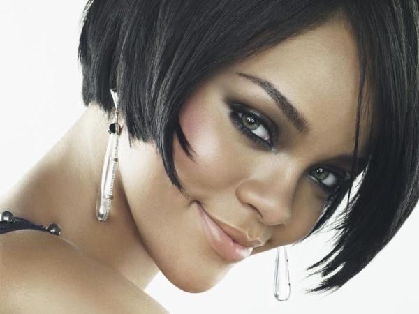 Portrait de Rihanna.