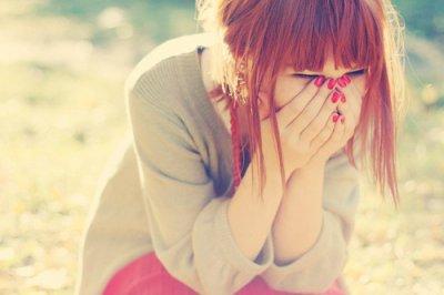 Faire semblant d'être heureuse, c'est souffrir sans que personne le sache..
