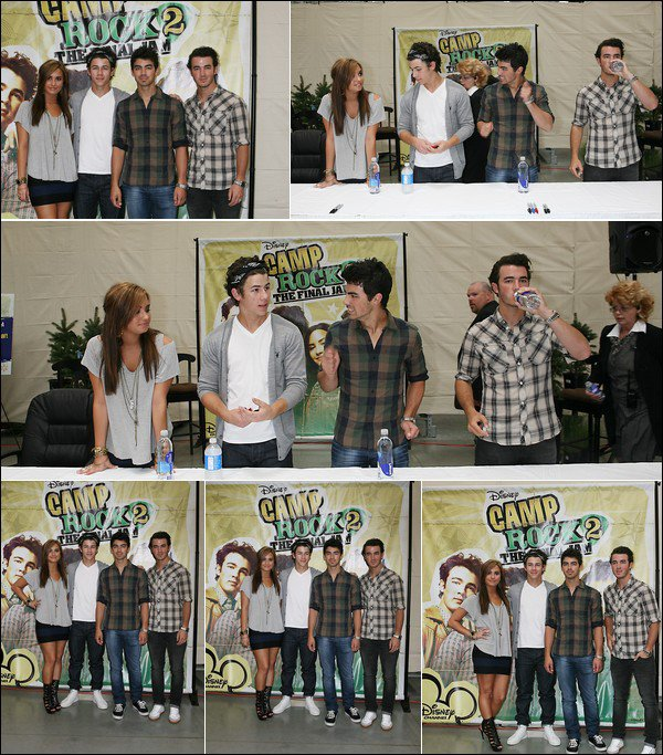 00    1 Septembre 2010:   Les Jonas & Demi Lovato se sont rendu au magazin« Wal-Mart » pour promouvoir Camp Rock 2 à Rochester Hills.   00