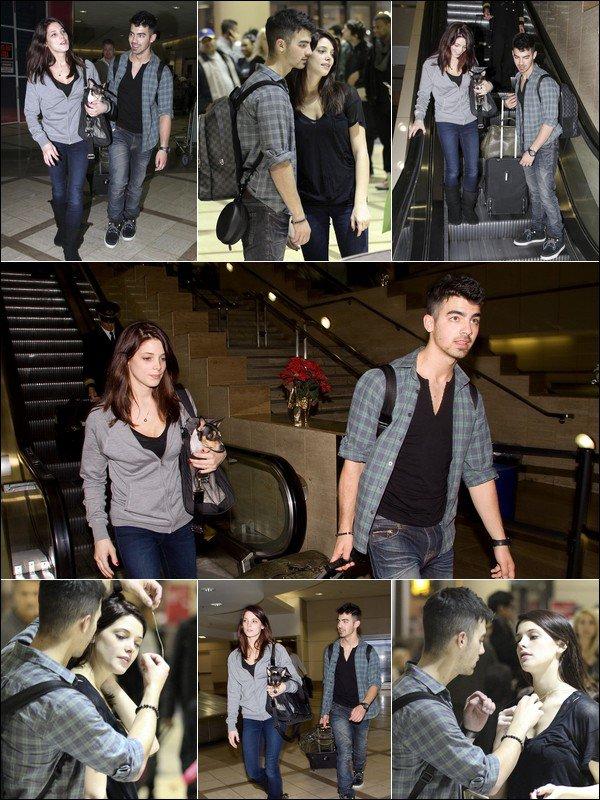 00     29/12/10   Joe & Ashley arrivent à LAX  00