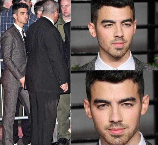 00     27/02/11  Joe à la cérémonie des Oscars à Los Angeles. 00